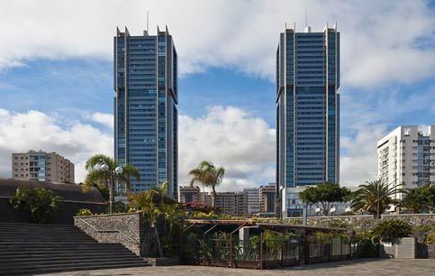 tours jumelles Torres de Santa Cruz