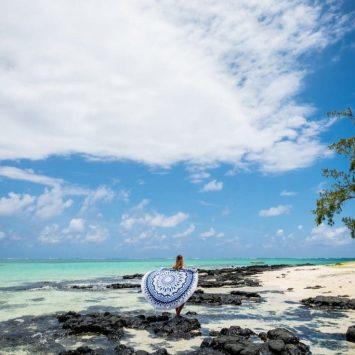 Voici les 3 meilleures serviettes de plage rondes (Comparatif 2019)